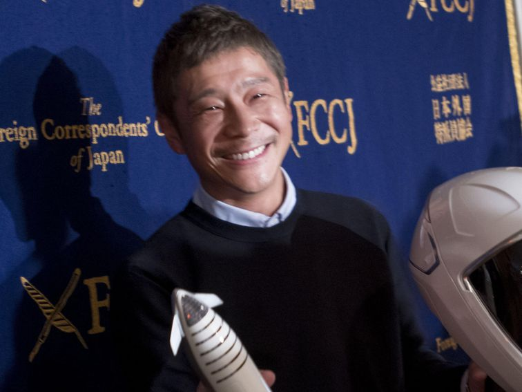 SpaceX moon passenger, Yusaku Maezawa, wants to take girlfriend to the moon